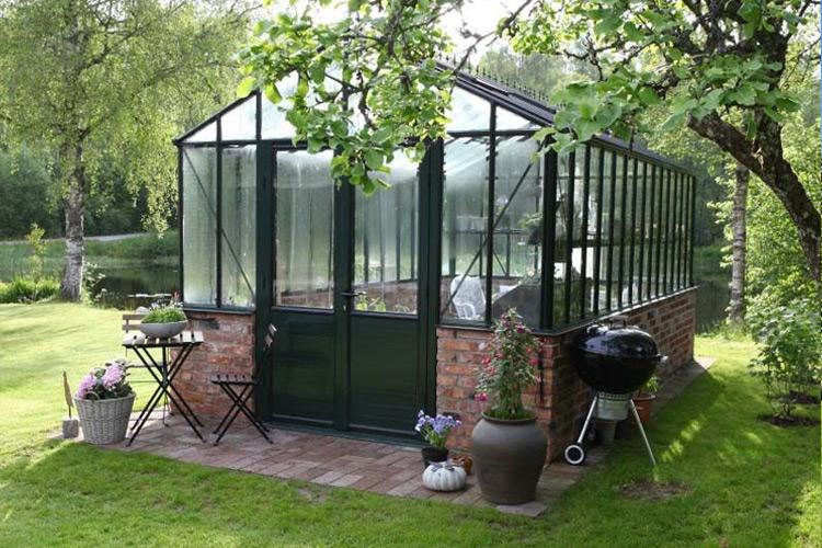 comment choisir sa serre de jardin guide complet et avis. Black Bedroom Furniture Sets. Home Design Ideas